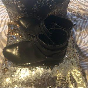 Nine West 8 Black Ankle Boots